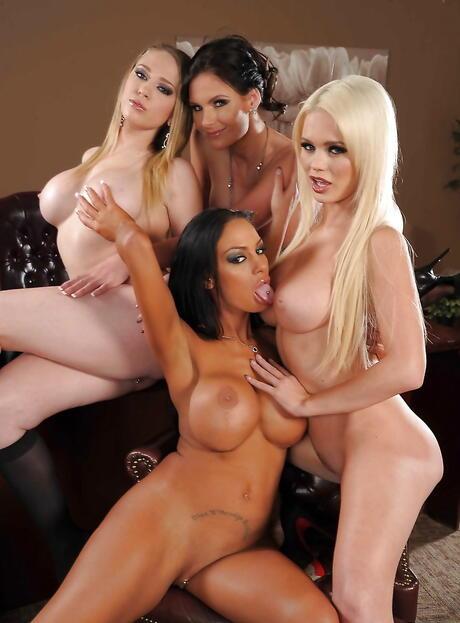 Beautiful Lesbians Pictures