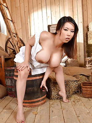 Asian Beauties Pictures